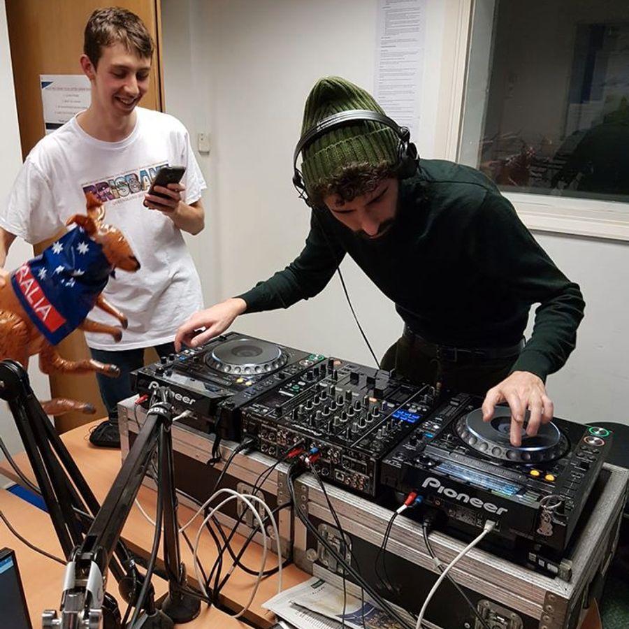 Jack-Gold-b2b-Eden-on-Forge-Radio-(6.2.19)-DJ-Set